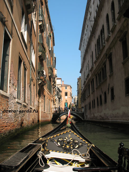 гондола в Венеции фото
